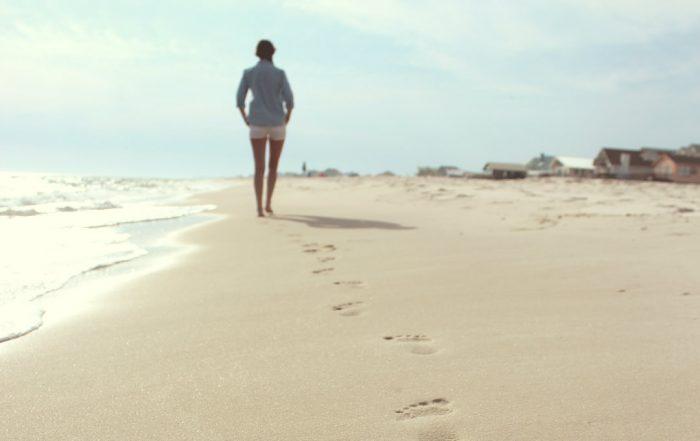 Jane-Kennard-You-Are-Not-Alone-Lets-Walk-Together-photo-zack-minor-6_pFPo2YM9c-unsplash