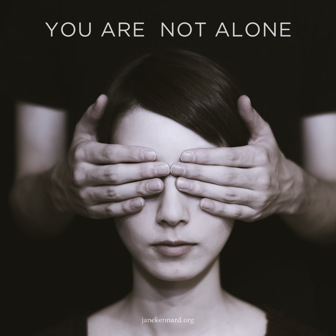 Jane-Kennard-mother-energy-you-are-not-alone-photo-ryoji-iwata-_dVxl4eE1rk-unsplash-3